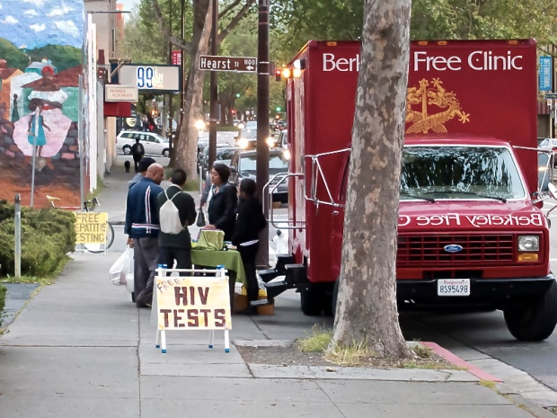 Berkeley_Free_Clinic_truck_offering_free_HIV_tests_Derrick_Coetzee