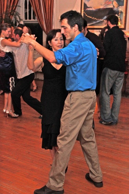 "Tango is a ""gildewalking"" dance"